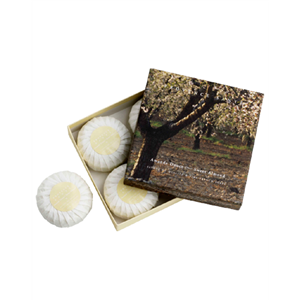 Giftbox-4-soaps-of-75g-Sweet-Almond